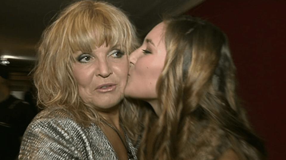 video VIP zprávy: Věru Martinovou na koncert přišla podpořit i její dcera Anežka