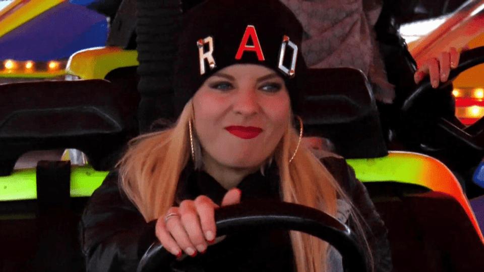 Kateřina Kristelová řádí na autodromu. Co je pravdy na tom, že chodí s Janem Kočkou?