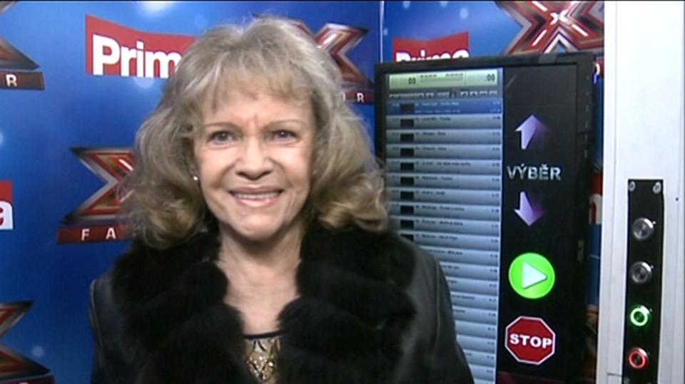 Video VIP zprávy: Co zpívala v budce X Factoru Eva Pilarová? To svoje šubyduby... podívejte se!