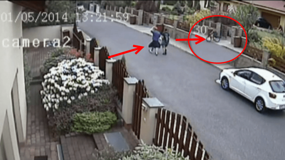 Soukromá kamera zachytila v Berouně dva zloděje