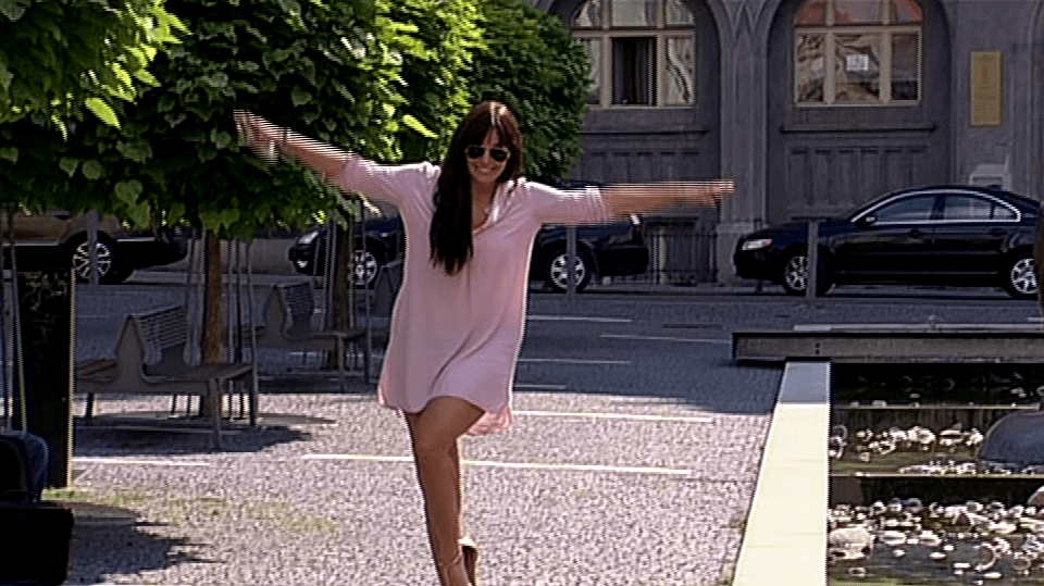 video VIP zprávy: Nový videoklip Ewy Farne je z jejího života