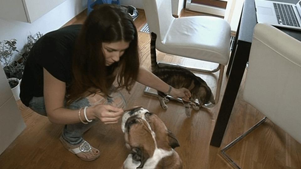video VIP zprávy: Zpěvačka Victorie teď s rodinou žije v holobytě