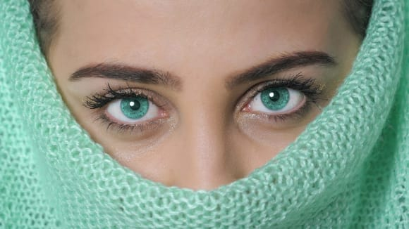 Zelené oči = málo melaninu