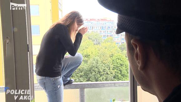 Žena v okně - Policie v akci
