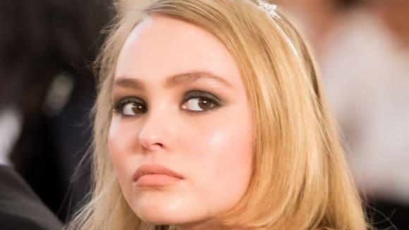 Lily-Rose Depp bez plavek 2