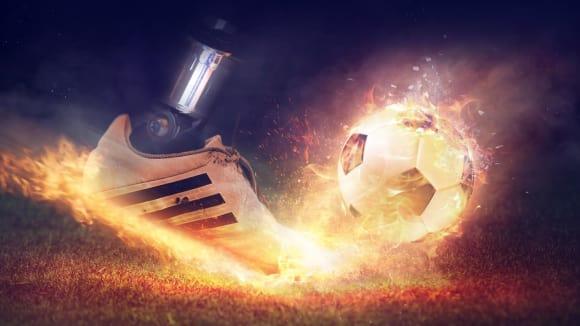 Fotbal - sport, v němž se holky vracejí na hřiště