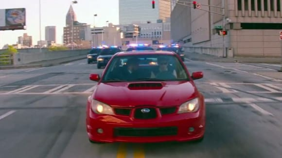 Mladého hrdinu filmu Baby Driver filmaři naučili skvěle řídit