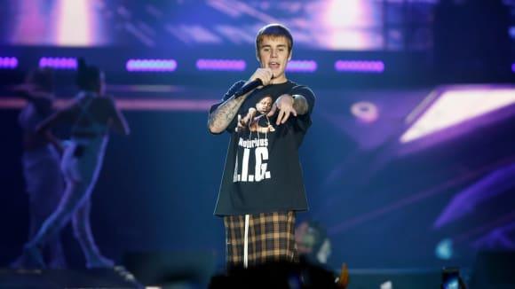 Justin Bieber ruší turné. Proč?