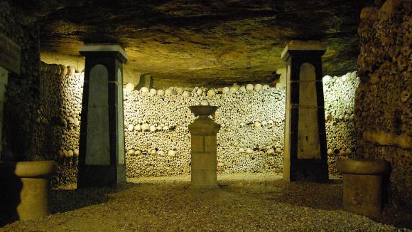 Pařížské katakomby
