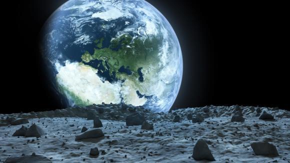 Měsíc nemusí být tak pustý, jak vypadá