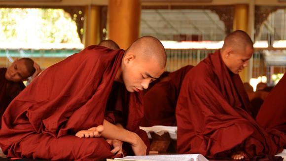 ve škole barmských mnichů