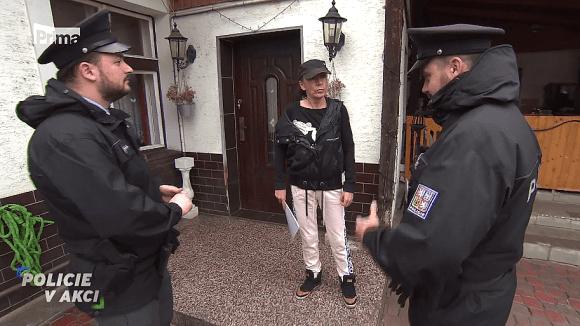 Milovnice psů - Policie v akci