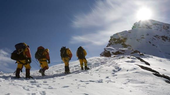 Everest si nakonec připsal osm obětí včetně zkušených horských vůdců