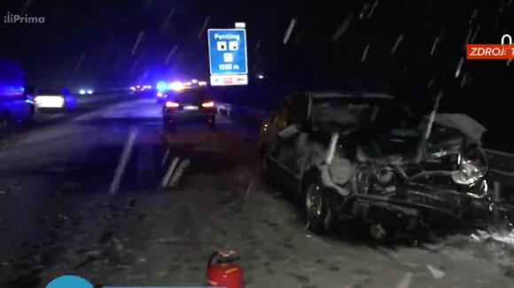Silné sněžení a náledí zapříčinilo v Německu stovky dopravních nehod