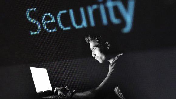 Podvodné maily i vyděračský maware! Každá třetí firma v Česku je terčem podvodu, ukázala studie