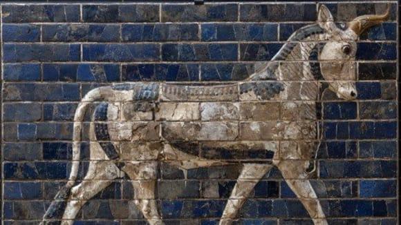 Posvátný býk z Ištařiny brány, jedné z dominant starověkého Babylónu