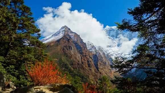 Trekking v údolí Khumbu je opravdoviu parádou. Nepál
