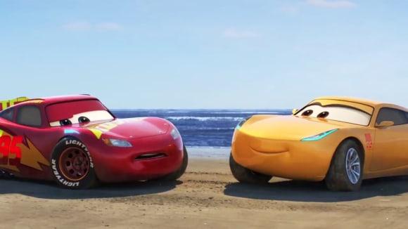 Špičkoví jezdci F1 namluví animák Auta 3 od Pixaru.