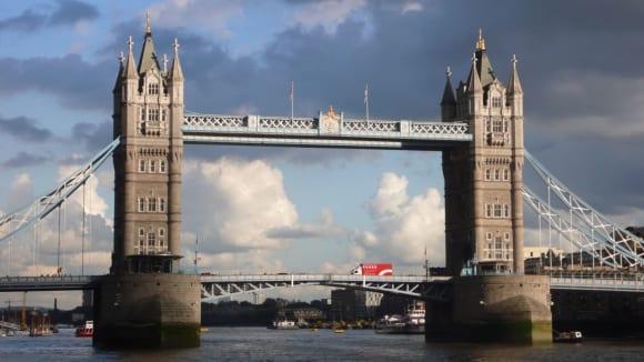 Znáte Tower Bridge?