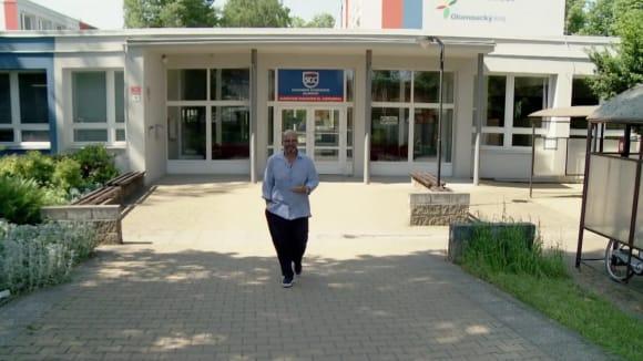 Ano, šéfe! VII (10) - Olomouc/školní jídelna: Revoluce
