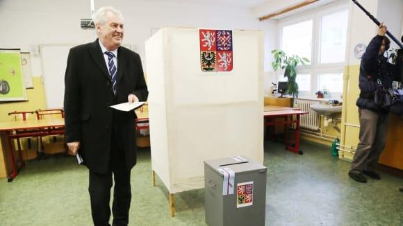 Volební urny se dostanou i na nová strategická místa