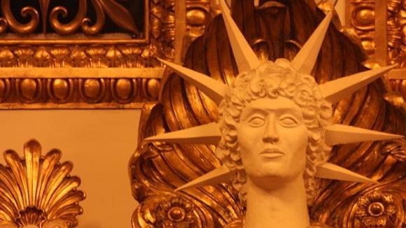 Socha Apollona