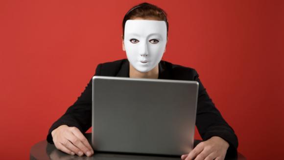 Ne každá žena na webu je opravdu žena