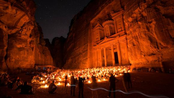 magické skalní město Petra - Jordánsko