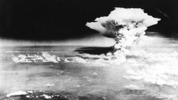 Američané udeřili jako první a zatím jediní - atomový hřib nad Hirošimou