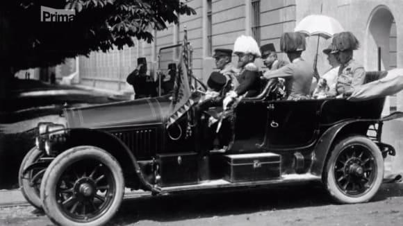 Auto s následnickým párem krátce před atentátem v Sarajevu