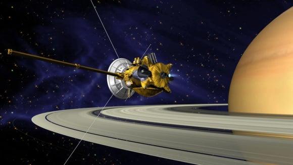 Sonda Cassini prolétávající kolem saturnu