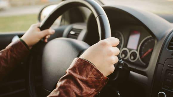Muž dal po 33 letech řidičskou zkoušku 1