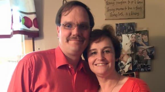 Žena si vzala muže, který je nyní ženou 6