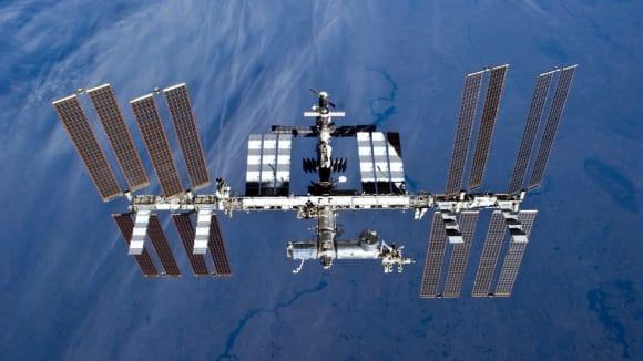 ISS - mezihvězdná turistická zastávka