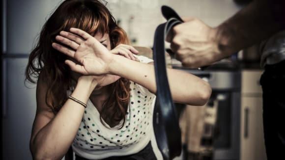 26 procent obětí domácího násilí se nikomu nesvěří