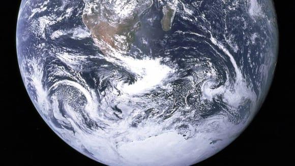 Země je plochá - to přece každý vidí :-)