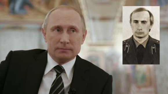 Vladimir Putin dnes a v době svého působení v Drážďanech (vpravo)