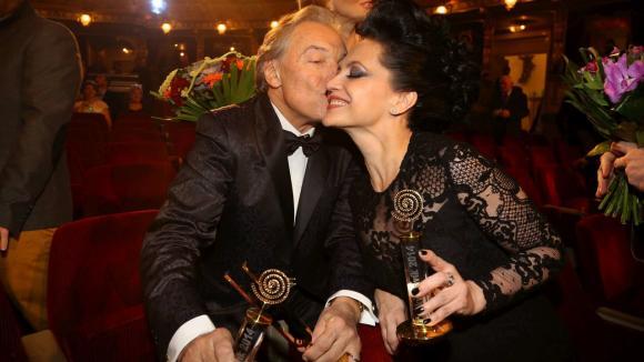Karel Gott a Lucie Bílá a jejich pusa