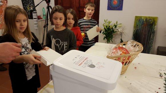 Vánoční přání od malých Ježíšků: Děti přejí osamělým seniorům hlavně štěstí a zdraví