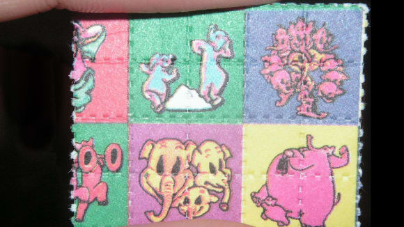 Papírek napuštěný LSD