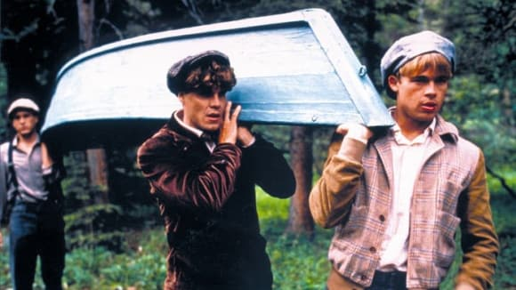 Záběry z filmu Teče tudy řeka s Robertem Redfordem a Bradem Pittem