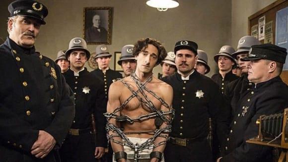 Záběry z prvního dílu filmu Houdini