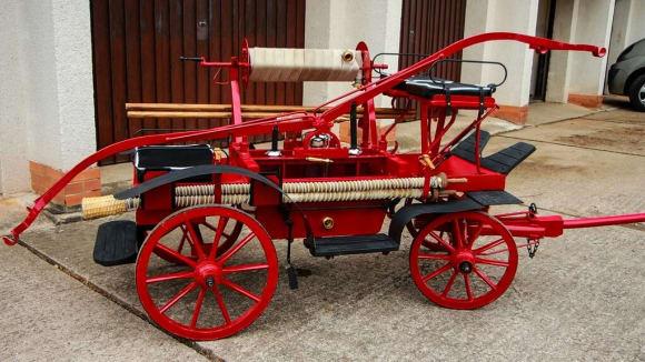 Koňská hasicí stříkačka
