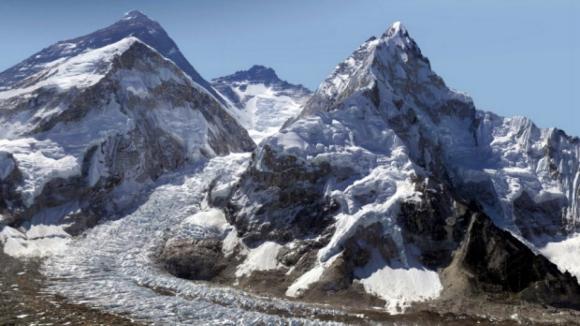 Mount Everest je nadosah, zdroj: www.glacierworks.org