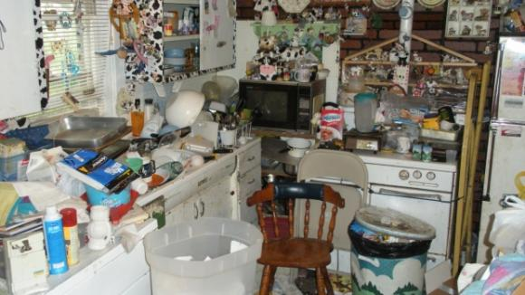 Po krk v odpadcích a kuchyně