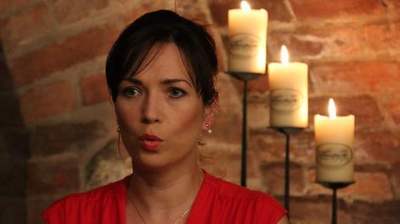 Kateřina (Tereza Kostková) nestačí zírat