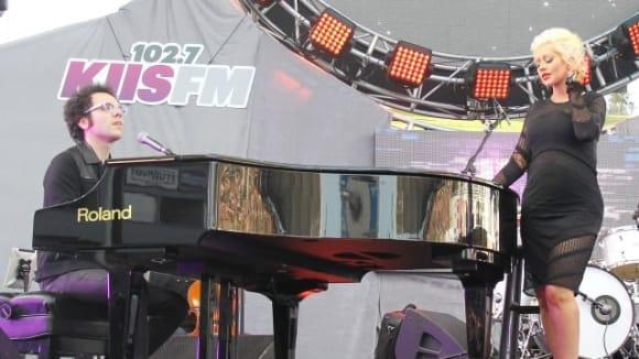 Během koncertu v Los Angeles to zpěvačce neuvěřitelně slušelo