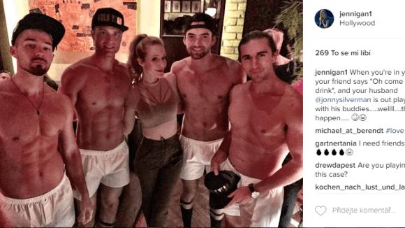 Zločiny ze sousedství - Jennifer se sexy muži