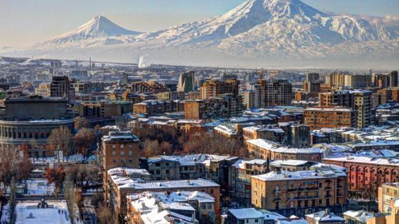 Kavkaz je pomyslnou hranicí mezi Asií na jihu a Evropou na severu