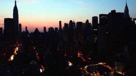 Výpadek elektrického proudu v New Yorku v roce 2003